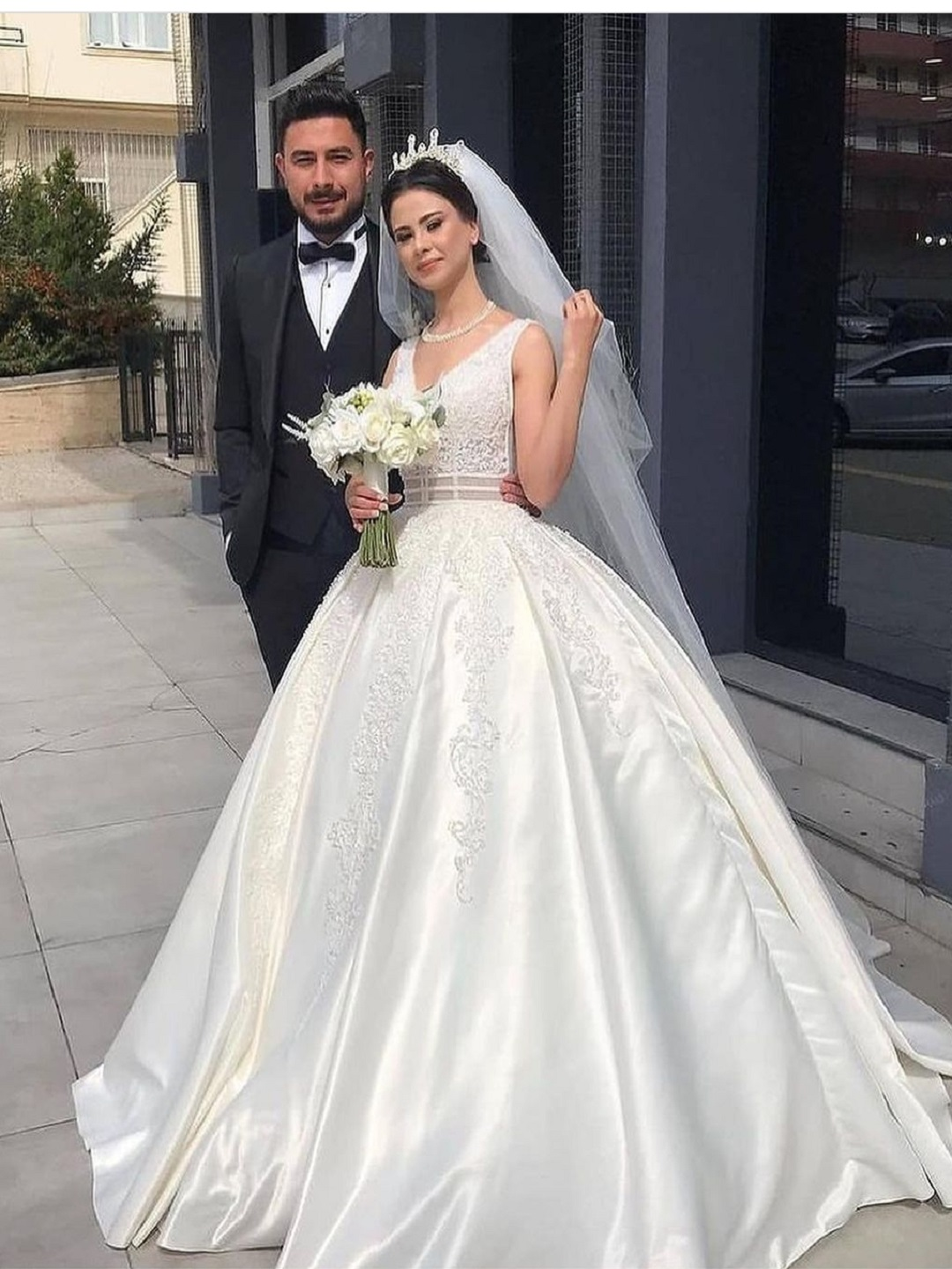 Beads Lace gown high quality wedding dress with veil , Id 20 ...